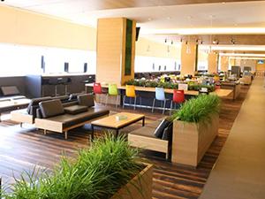 従業員用のカフェテリア(AVC関西)